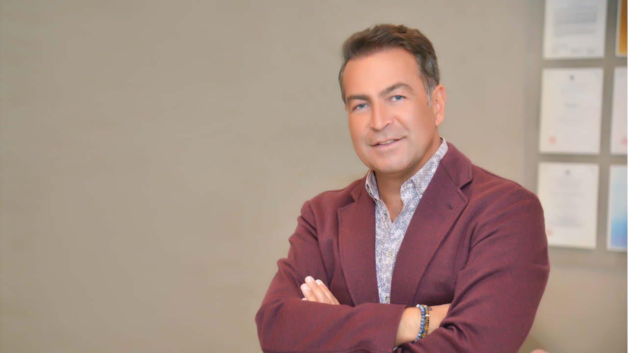 Dr. Akin Akyurt